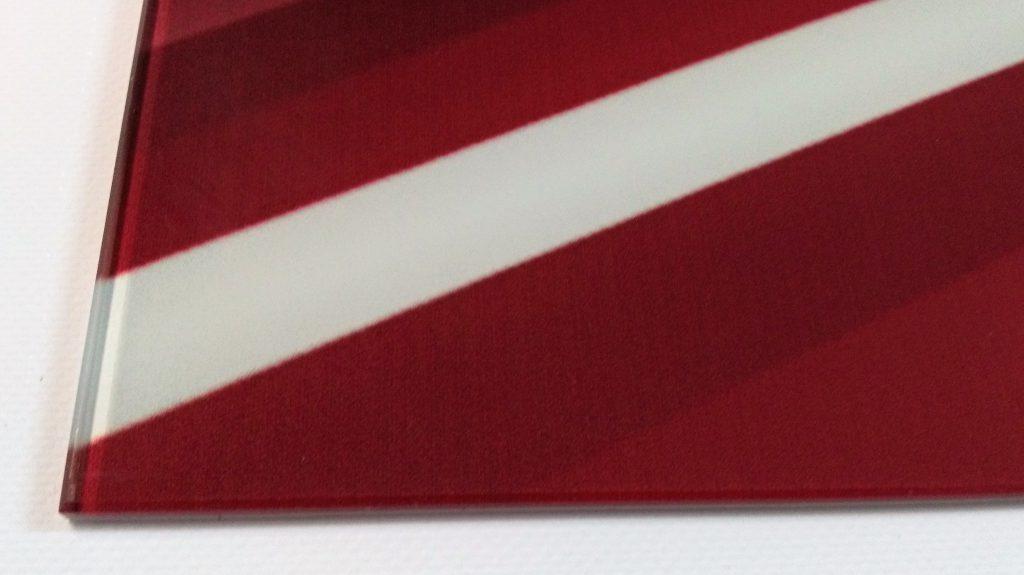 Biało czerwona szyba - nadrukowana przez druk UV