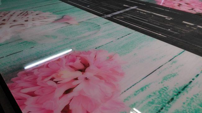 Naniesiony metodą druku UV obraz na szklaną taflę