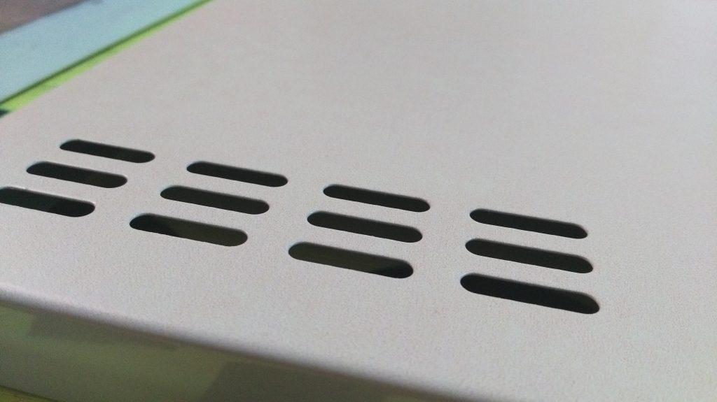 Detal na drzwiczkach zadrukowanych poprzez nadruk UV