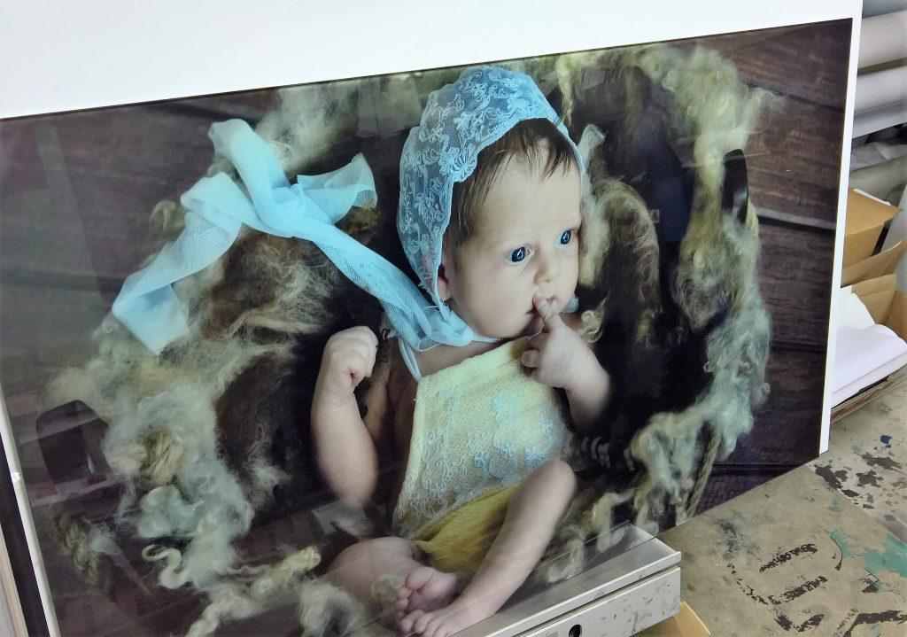 Portrety dzieci na szkle
